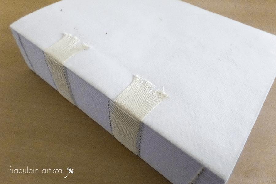 buchherstellung gebundener buchblock